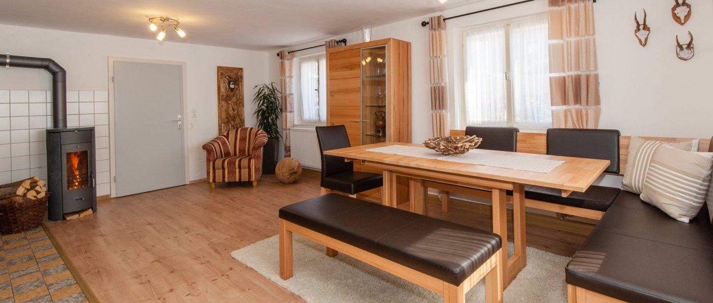 asbachtal-ferienhaus-kaminofen-bayerischer-wald-holzofen-ferienwohnung