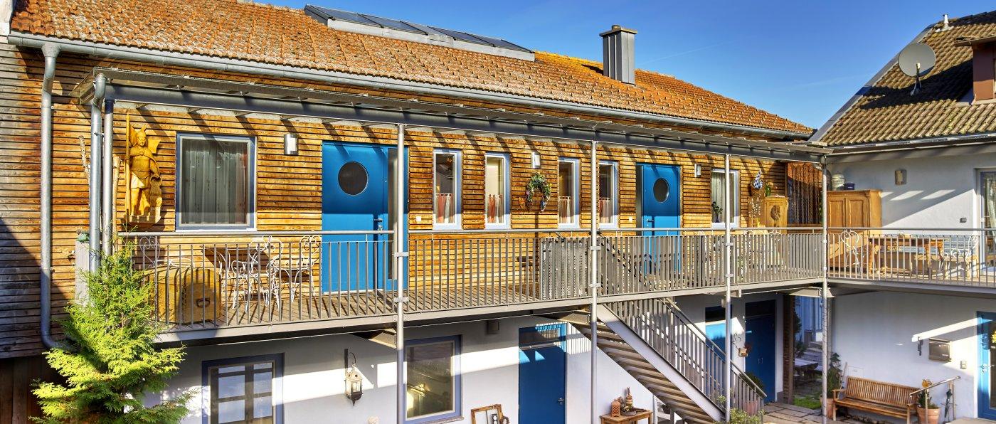 binder-bauernhof-bayerischer-wald-luxus-ferienwohnungen-hausansicht