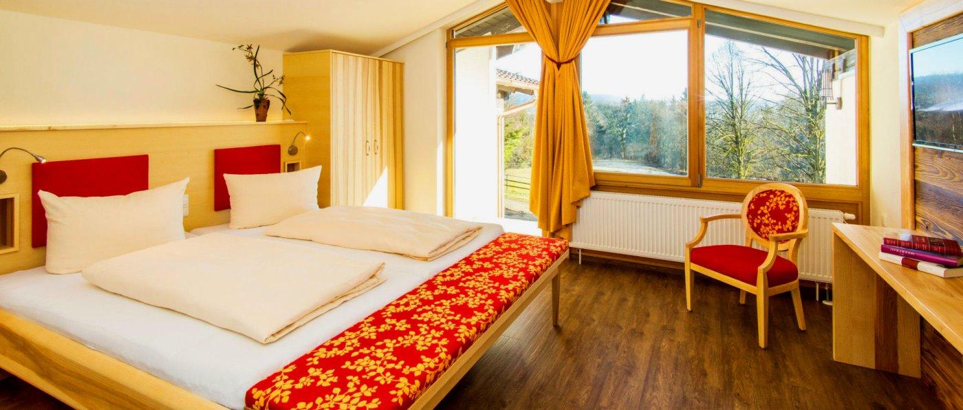 feuerschwendt-familienhotel-reiterhof-schlafzimmer