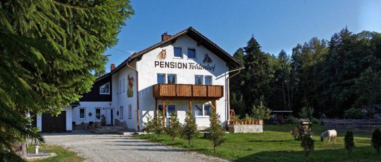 fohlenhof-pension-frauenau-uebernachtung-zwiesel-zimmer-hausansicht