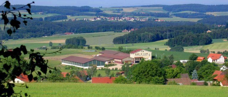 fuchsenhof-oberpfalz-reiterhof-bayern-reiterurlaub-reithalle
