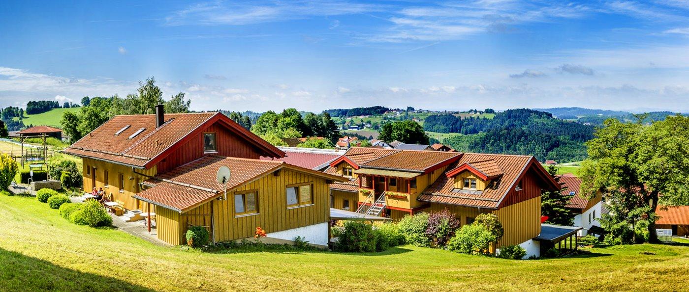gammerhof-bauernhof-waldkirchen-ferienhütten-passau-chalets-ansicht