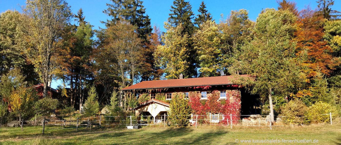gruppenhaus-bayerischer-wald-selbstversorgerhaus-bayern-aussenansicht