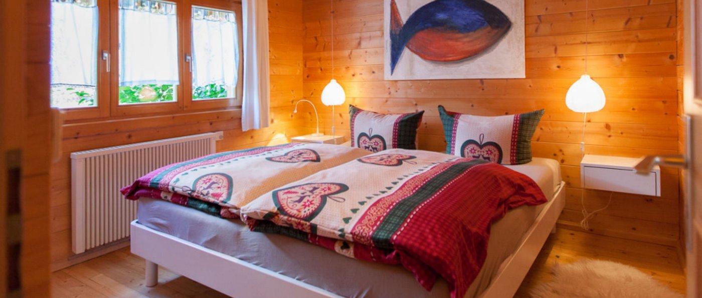 hp-stamsried-ferienhauspark-bayern-blockhaus-schlafzimmer