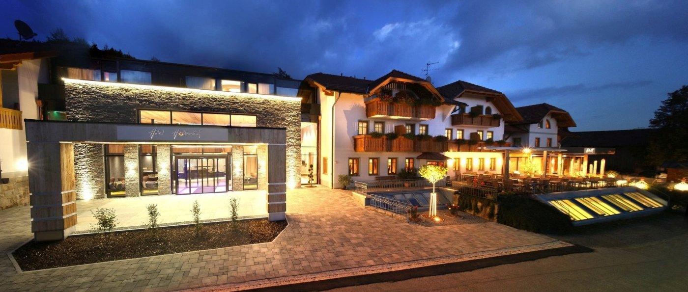Bergdorf in Bayern Luxus Almdorf und Hotel Hüttenhof