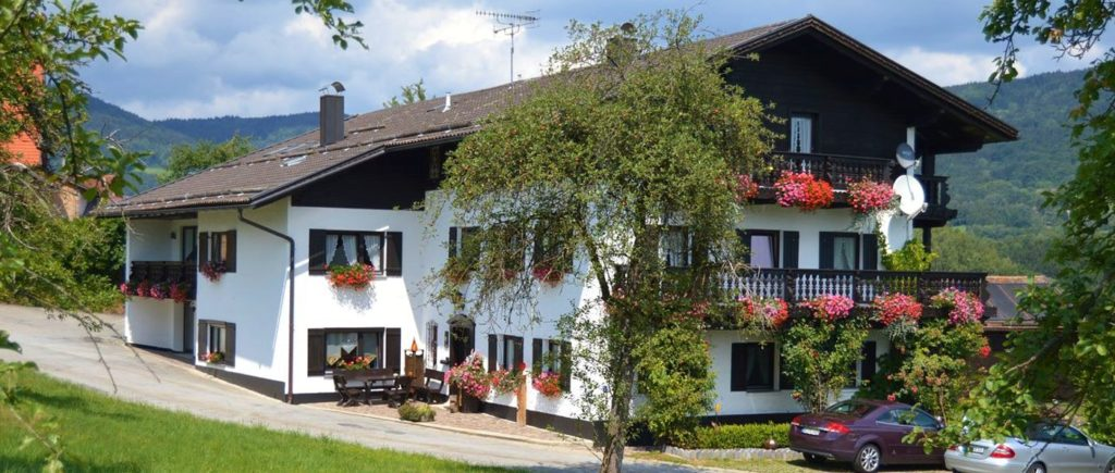 jakob-pension-lalling-zimmer-frühstück-deggendorf-niederbayern