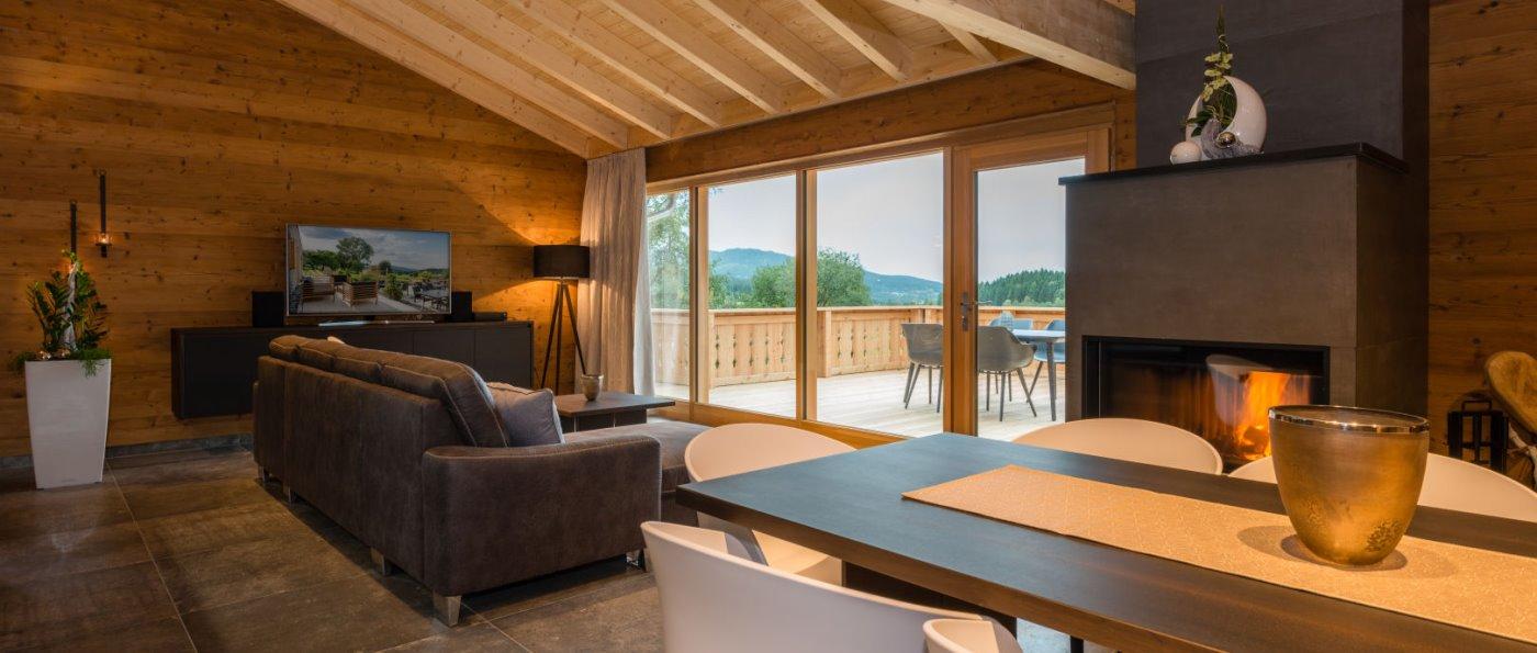 bayern-premium-chalets-bayerischer-wald-kaminofen-4-bis-8-personen-luxusurlaub