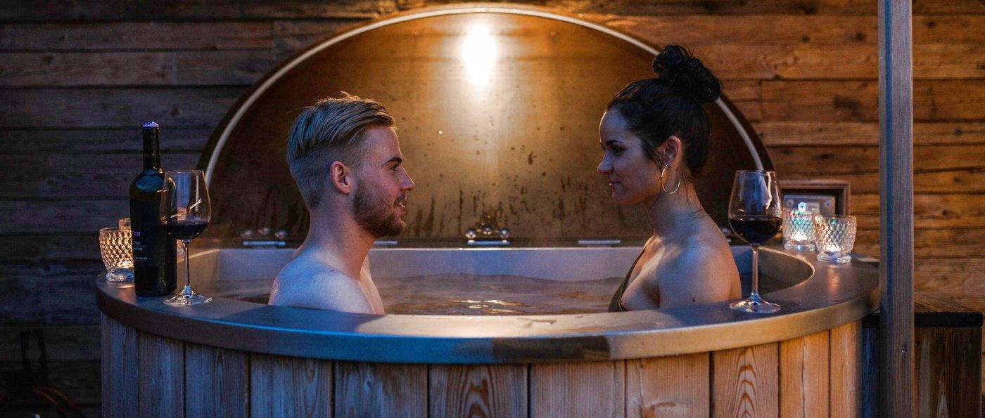 koeppl-premium-chalets-bayern-hot-pot-dachterrassen-pool