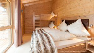 Service Und Freizeitmöglichkeiten U2013 Romantisches Hüttenfeeling Mit Sauna  Und Kamin. Modernes Luxus Chalet ...