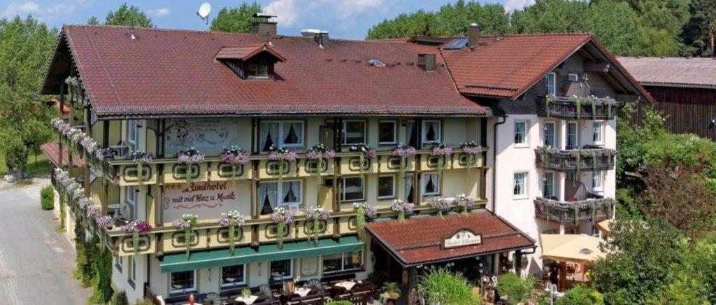 muehl-bayerischer-wald-eventhotel-musikhotel-ansicht