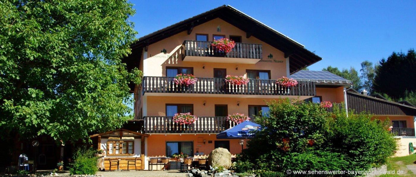 neuhof-bayerischer-wald-bikerhotel-niederbayern