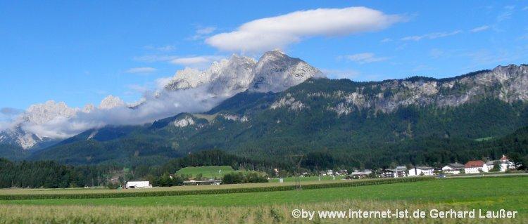 Hüttenurlaub Sankt Johann in Tirol Luxus Chalet, Berghütte Ferienhütte Landschaft