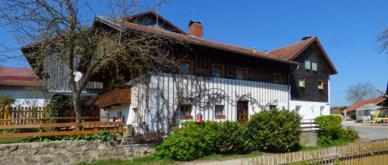 paulus-bayerischer-wald-selbstversorgerhaus-bauernhof-bayern-ansicht