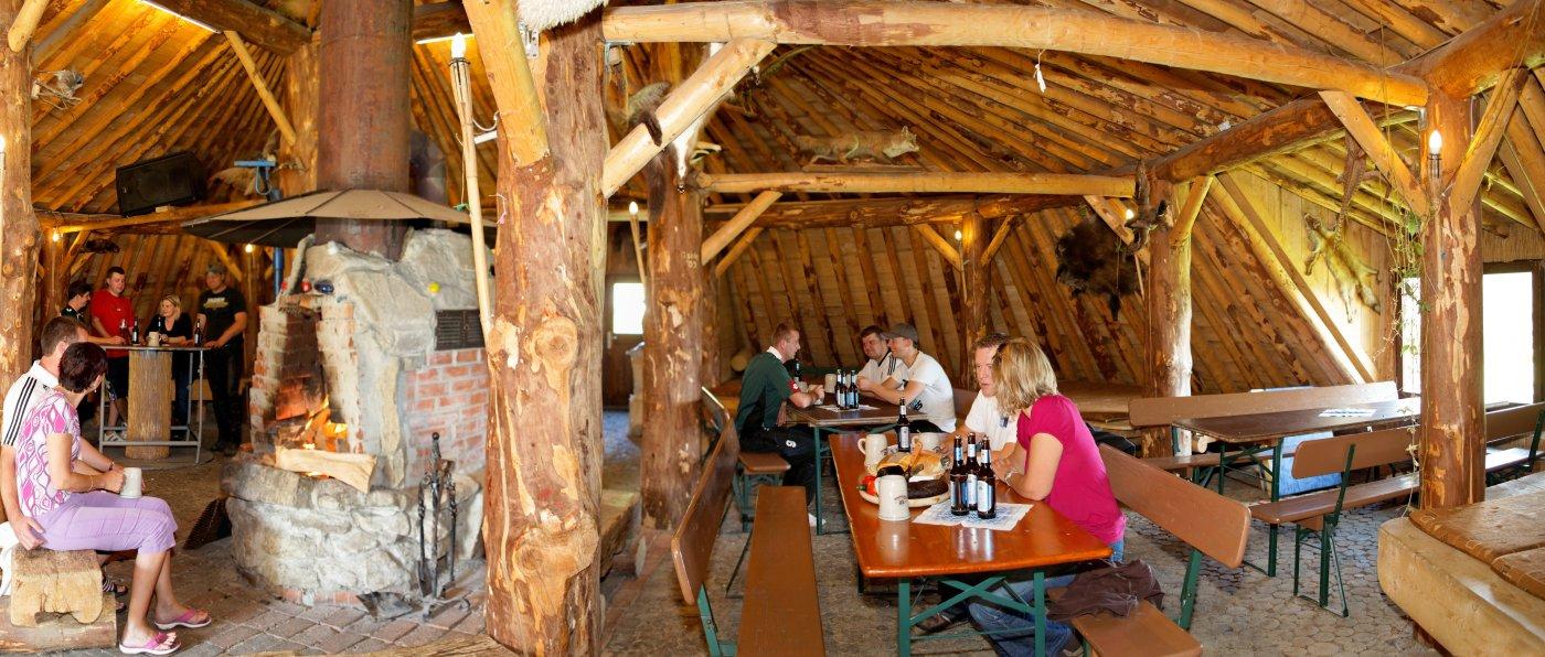 pröller-erdhütte-niederbayern-eventhütten-mieten-feiern-übernachten