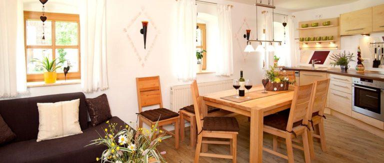 schanzer-landhaus-am-see-bayerischer-wald-wohnen-essen