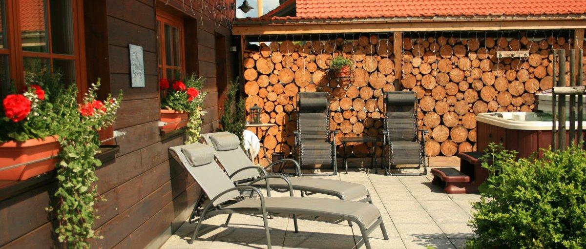 wartner-forsthaus-chalet-kamin-whirlpool-ferienhaus-private-spa