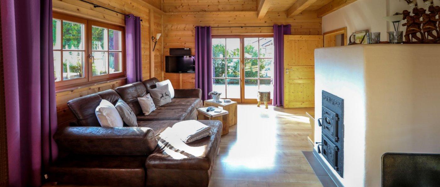 wartner-forsthaus-romantik-chalets-kaminofen-bayerischer-wald